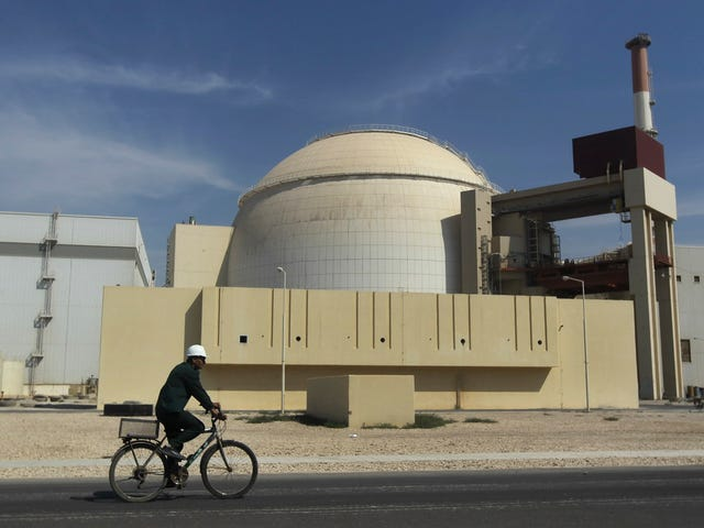 Why Scrapping the Iran Deal Is a Dumb Move, Explained
