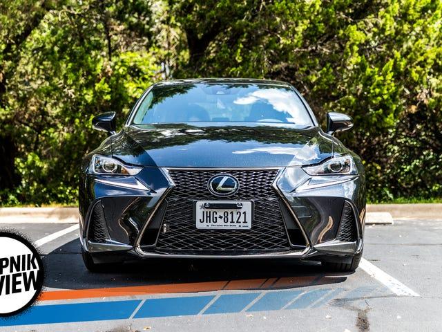 2017 Lexus IS 350 F Sport saa pisteitä olemassa olevista mutta ei ota Trophya