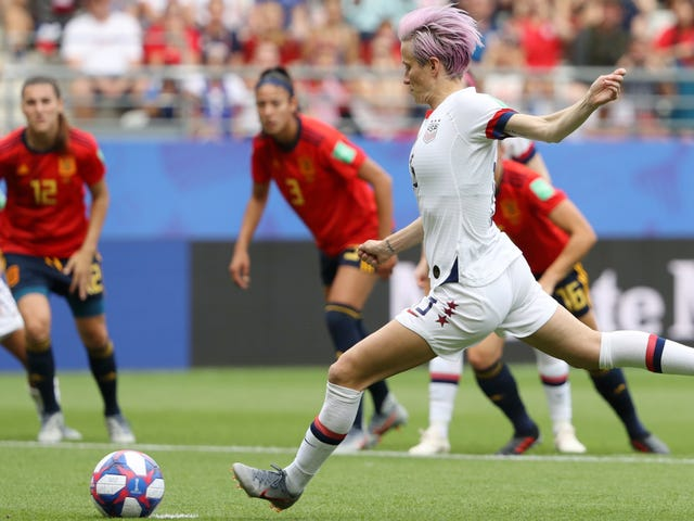 A Pair Of Megan Rapinoe Penalties Sent A Shaky USWNT To The Quarterfinals