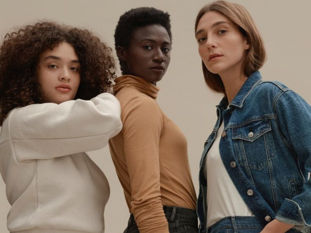Choose What You Pay at Everlane and Save up to 50% off Overstock Items
