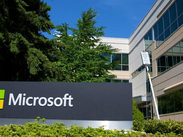 Η Microsoft διευκολύνει ορισμένους υπαλλήλους να αντιμετωπίσουν τη σεξουαλική παρενόχληση και τις διακρίσεις λόγω φύλου