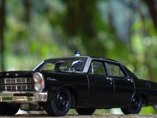 GL Black Bandit - 1967 Ford Custom Police Car