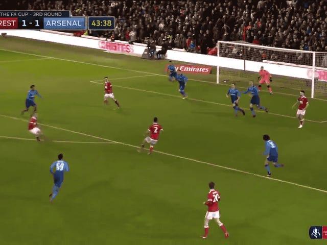 Un défenseur américain gaspille de l'argent à Arsenal en FA Cup