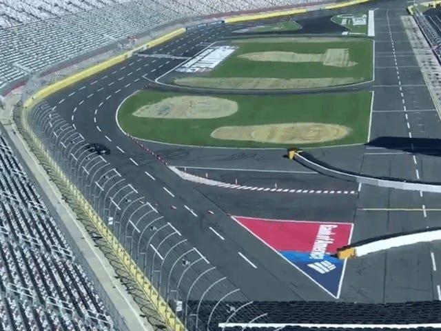 Этот дорожный курс-овальная дорожка должен быть лучшей вещью, которую NASCAR всегда делал