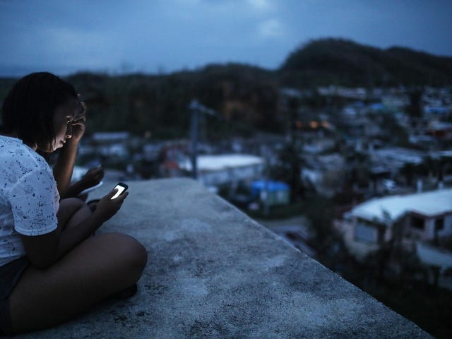 FEMA Deletes Information About Lack of Water and Electricity in Puerto Rico