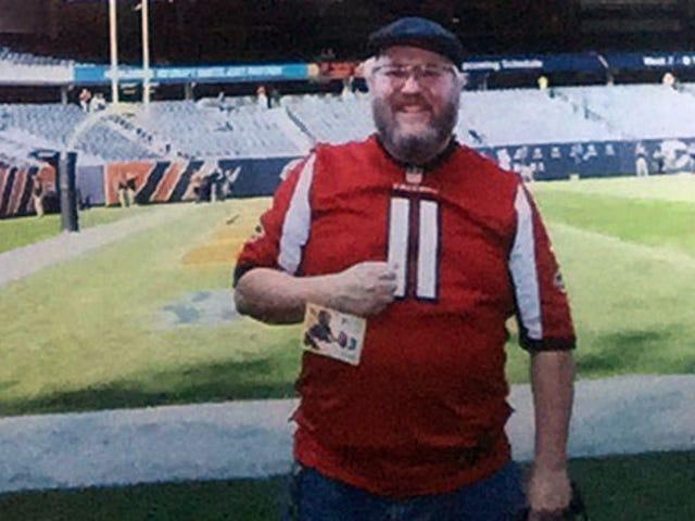 Packers Fan Suing Bears Gets On Soldier Field In Atlanta Falcons Jersey