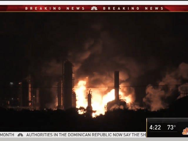 Pożar w rafinerii ropy naftowej w południowej Filadelfii powoduje ogromne wybuchy