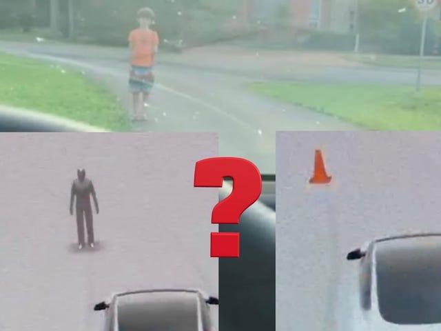 Tesla's Autopilot verwart een jongen in een oranje shirt met een verkeerskegel