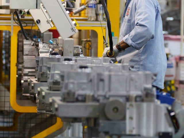 Сотрудники GM говорят, что после нескольких судебных процессов на заводе в Огайо все еще происходит расистское дерьмо