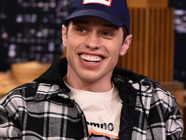 Pete Davidson Would Like Future Girlfriends to Know His Dick Really Isn't That Big