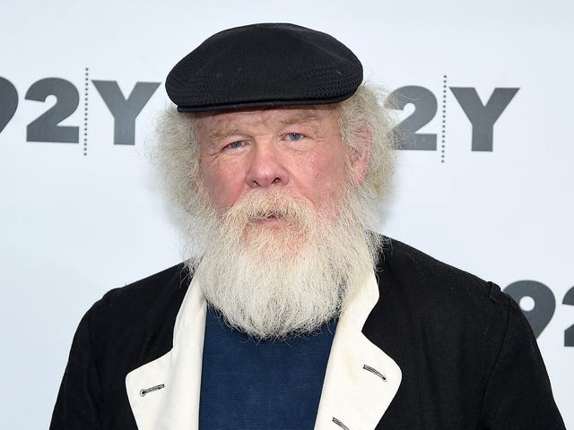 "<a href=https://news.avclub.com/nick-nolte-to-grunge-up-the-mandalorian-for-disney-1830782766&xid=17259,15700023,15700186,15700191,15700248 data-id="""" onclick=""window.ga('send', 'event', 'Permalink page click', 'Permalink page click - post header', 'standard');"">Nick Nolte til grunge op <i>The Mandalorian</i> for Disney +</a>"