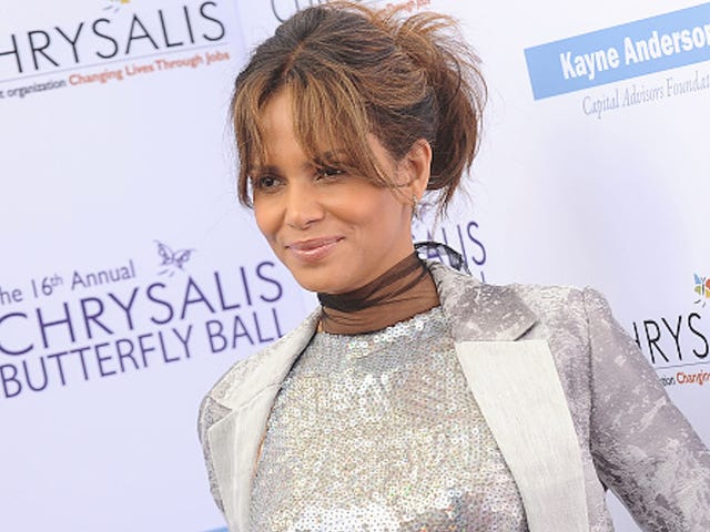 Halle Berry Isn't Pregnant, Reasonably Claims Her Right to Eat Food