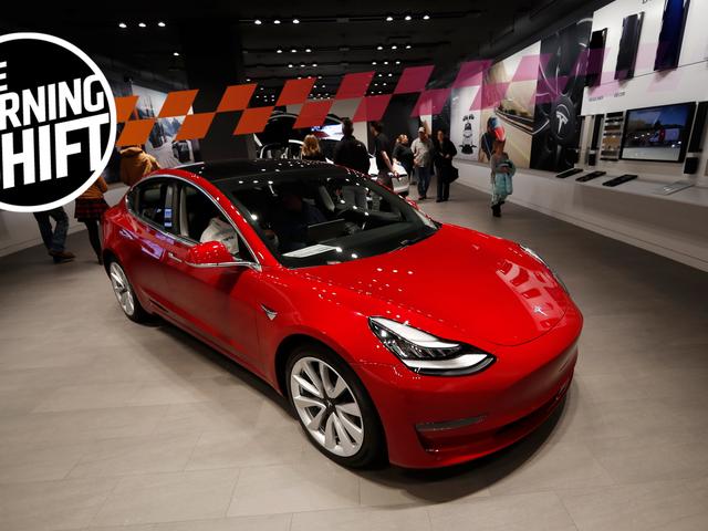 Tesla non ha detto ai suoi dipendenti che stava per iniziare la chiusura dei negozi