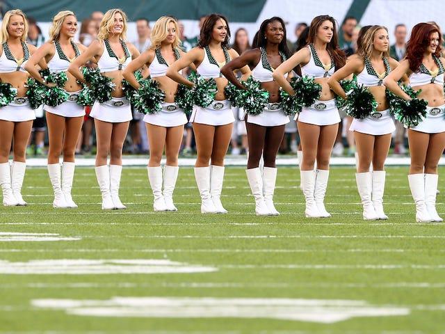 New York Jets Cheerleaders Win $ 325,000 Class-Action Settlement