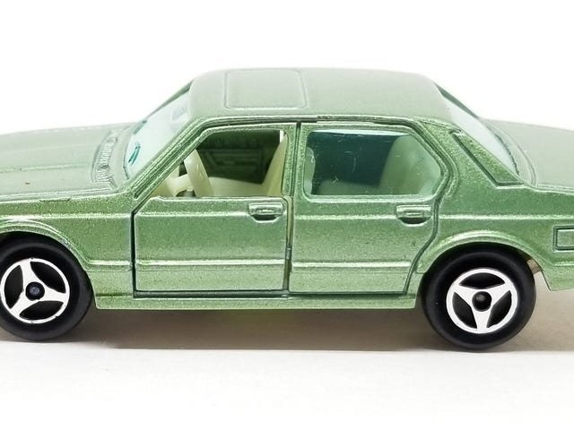 LaLD ///May:  Majorette BMW 733