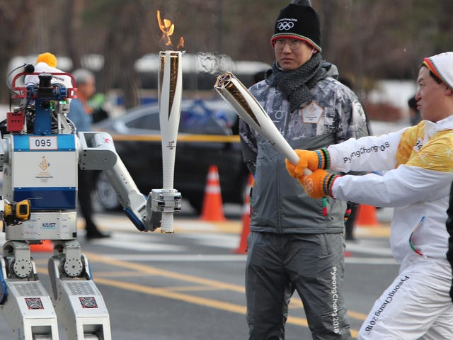 This Robot Just Carried thePyeongchang 2018 Olympics Torch as It Cut Through a Wall