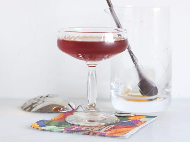 Vermouth dan Pear Cocktail ini adalah Ideal untuk Malam Renyah