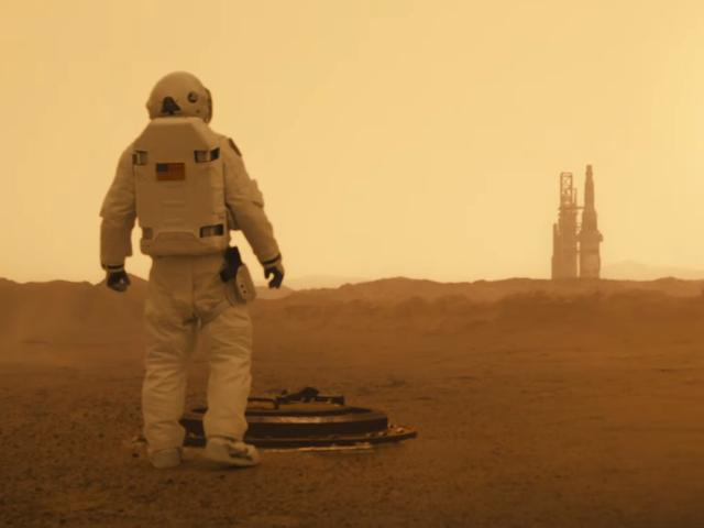 Il secondo trailer di Ad Astra prende in giro un thriller spaziale operoso e inquietante
