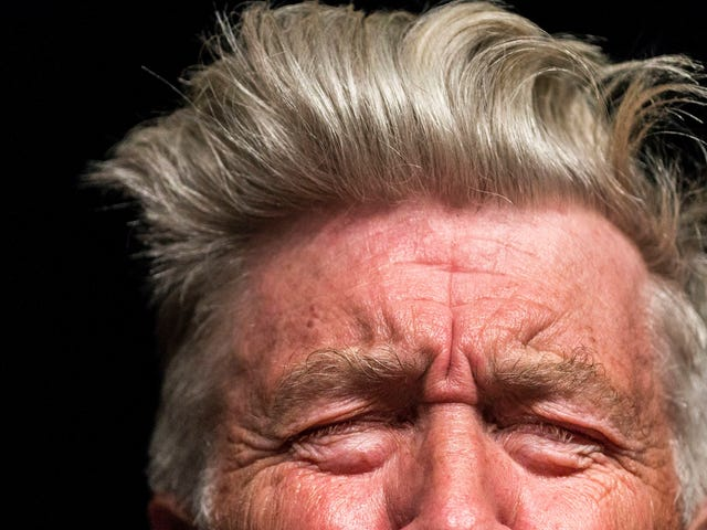 David Lynch wants you to think before you tweet about movies