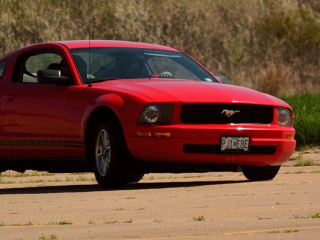 That time I Autocrossed my sister's Mustang