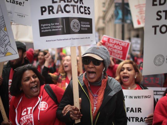 Como os professores das escolas públicas de Chicago estão lutando pelo futuro das crianças negras
