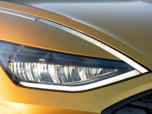 IIHS Is Cracking Down On Headlight Quality