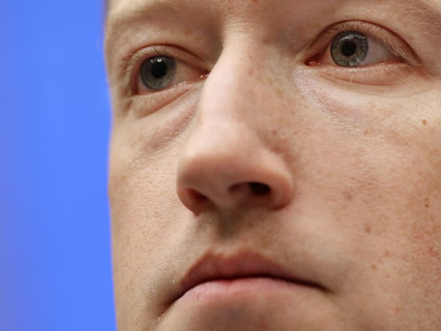 Report: Even Facebook Employees Are Bummed About Facebook