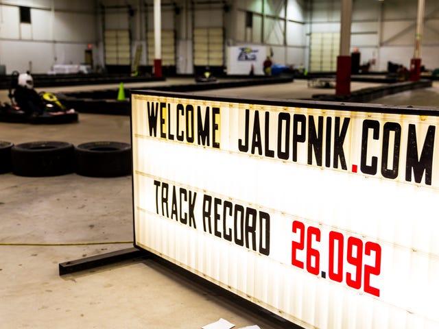 Êtes-vous plus rapide dans un kart que Jalopnik?  Venez en savoir à Detroit Prochain week-end!