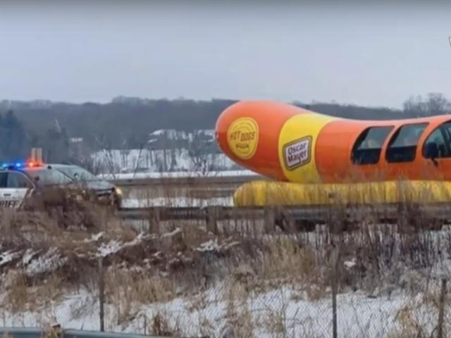 Cops ketchup a Wienermobile