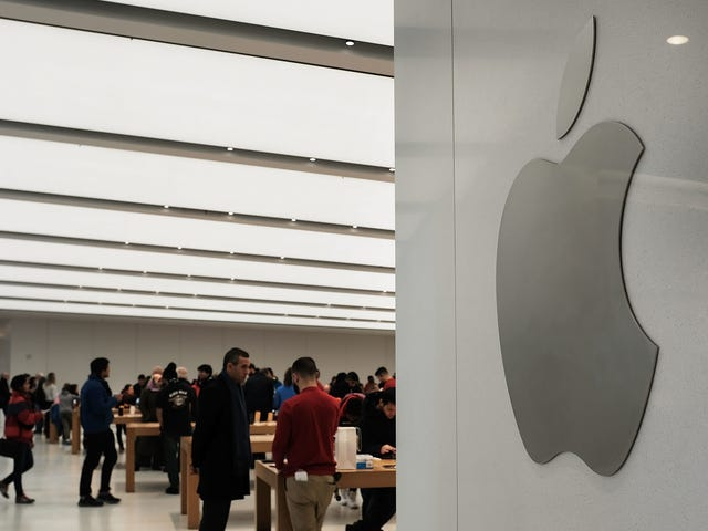 Active Military and Veterans Can Get Big Discounts on Apple Products