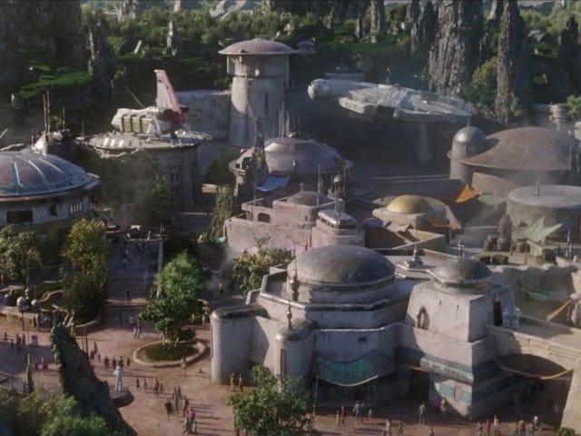 Denne nye film af <i>Star Wars: Galaxy's Edge</i> er spektakulær