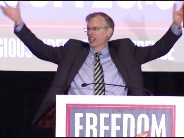 Denna Anti-Gay Rant från Colorado Pastor Kevin Swanson är otroligt, faktiskt