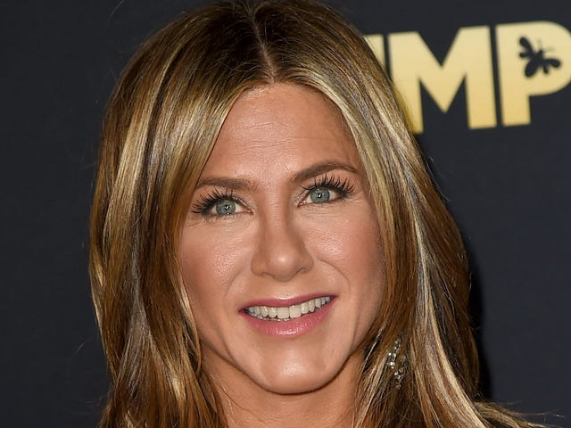 Jennifer Aniston Once Lived with a Testy Ghost Who Terrorized Her Roommate