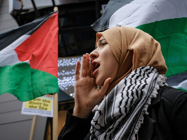 Koulutusosaston siirto voisi tukahduttaa Israelin kritiikin