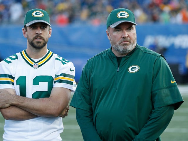 Report: The Packers Fell Apart Because Mike McCarthy Is A Dolt And Aaron Rodgers Is Petty
