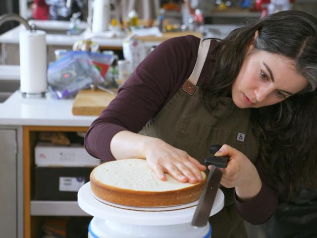 Bon Appétit's Claire Saffitz Will Teach You How to Bake a Cake