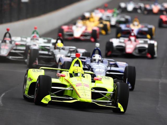 Simon Pagenaud remporte une incroyable bataille en fin de course contre Alexander Rossi pour remporter la victoire sur l'Indy 500