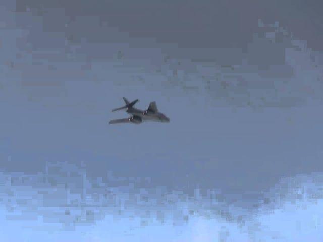 At se en supersonisk bombefly Er Aileron Rolls en skønhedskunst
