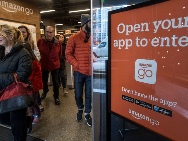 Amazon's Cashless Stores to Begin Accepting Cash
