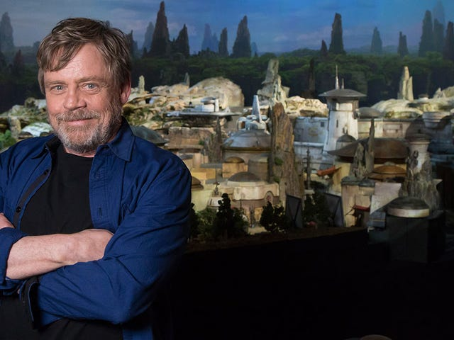 Mark Hamill Was A Wolves Fan, But Now He's Also A Wolves Fan