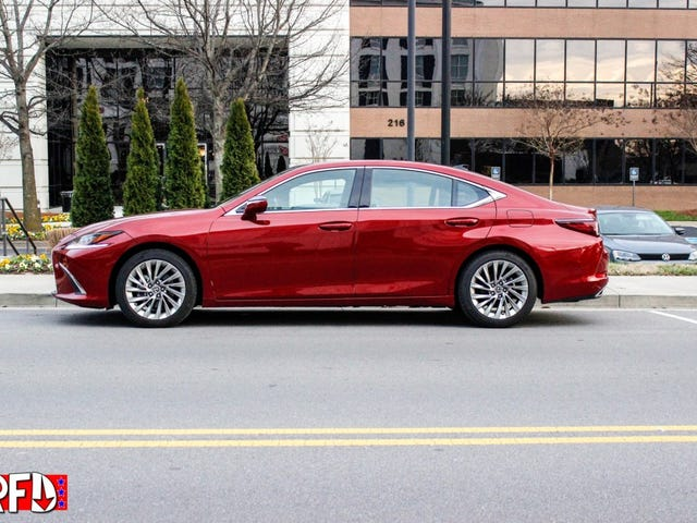 Two reviews in one day! 2019 Lexus ES350 Ultra Luxury