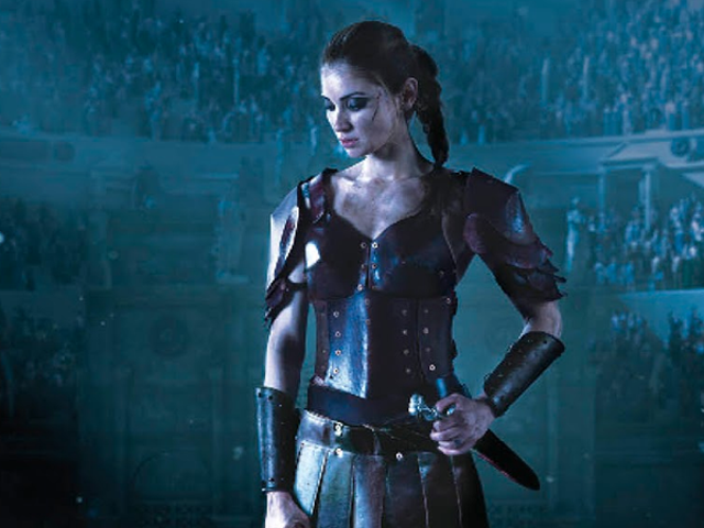 Lesley Livingston's Female Gladiator Novel The Valiant er overskriften til CW