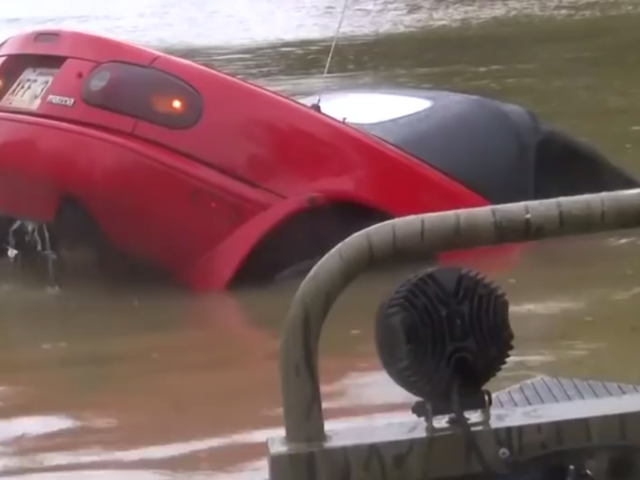 The Miata From That Louisiana Flood Rescue Is Getting Restored For Free