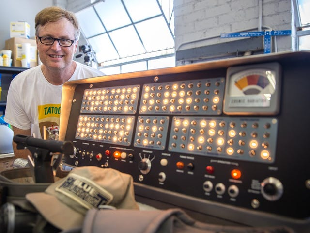 This Guy Made a Replica of The Computer That Helped the Robinson Family 50 Years Ago
