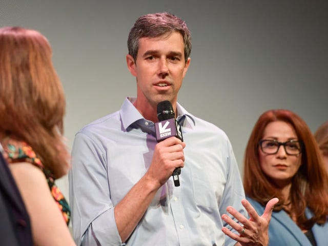 Beto O'Rourke is running for president, apparently against his dog's wishes