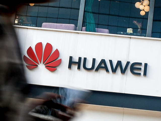 Huawei Is in Talks to Launch a 'Pilot Program' Using Russian OS as Replacement for Android
