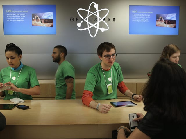 Want Your iPhone Battery Replaced? Apple Will Stick You With a Bill for Other Fixes First