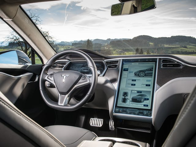 Feds Can't Say Why They Claim Tesla's Autosteer Cuts Crashes By 40 Percent