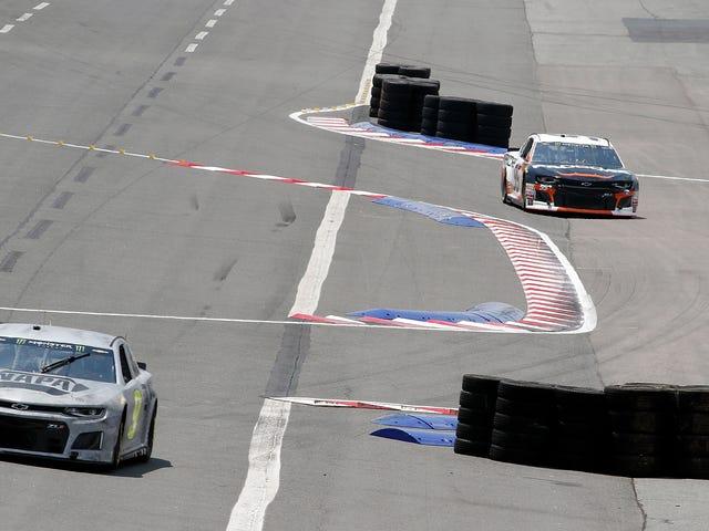 NASCAR должен был настроить свой дорожный курс - овальную дорожку, потому что водители хватались за обман с помощью ярлыков