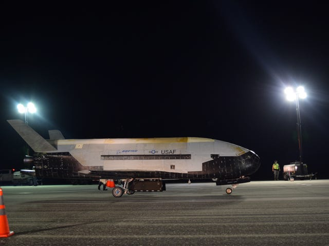 The Air Force's Robotic Spaceplane Returns After Nearly 800 Days in Orbit